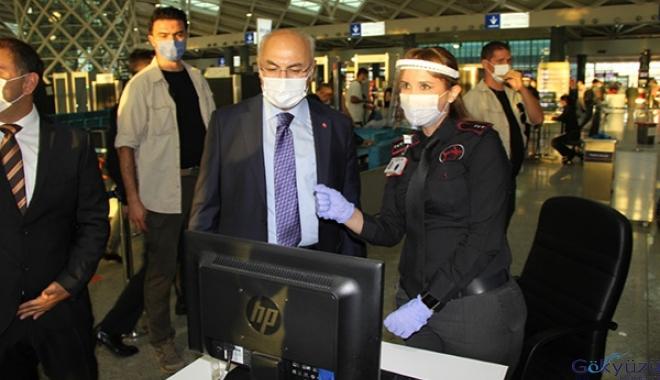 Vali Köşger, İzmir'de pandemide artış olduğunu açıkladı