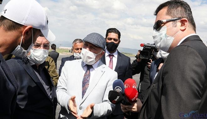 Vali Okay Memiş ,Erzurum Havalimanı'nda