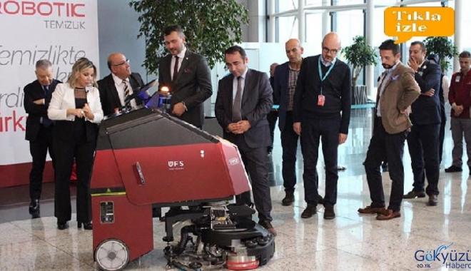 video Çevre dostu Titiz Hanım İstanbul Havalimanı'nda