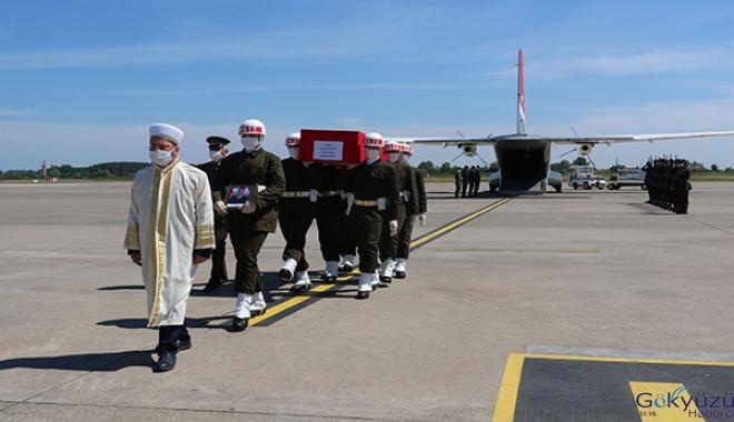 video Şehit Uzman Onbaşı Zengin'in cenazesi Samsun'a getirildi