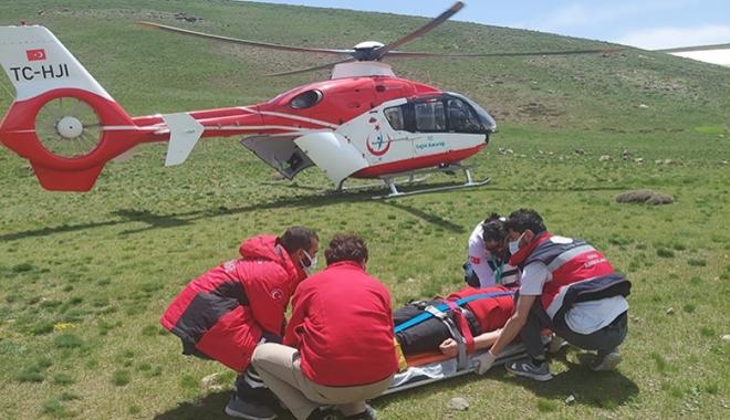 Yaylada fenalaşan kişi için ambulans helikopter#video