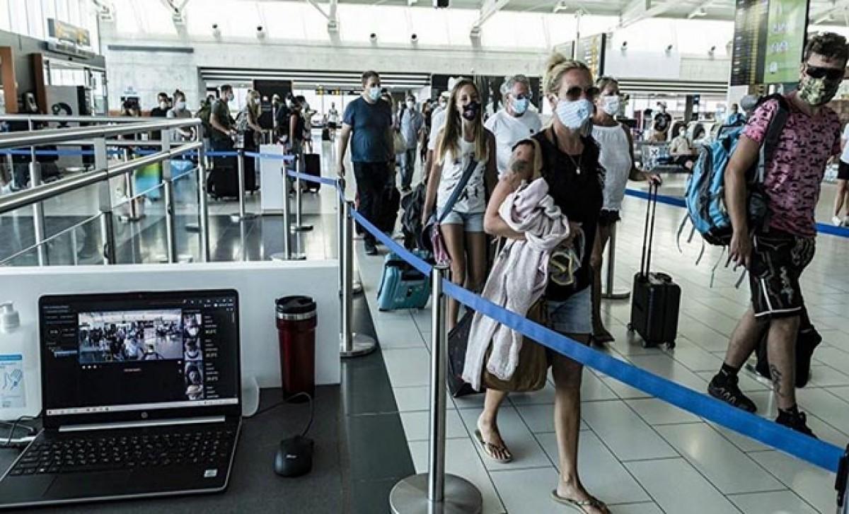 #14 Mayıs'ta turistlere karantina zorunluluğunu kalıyor