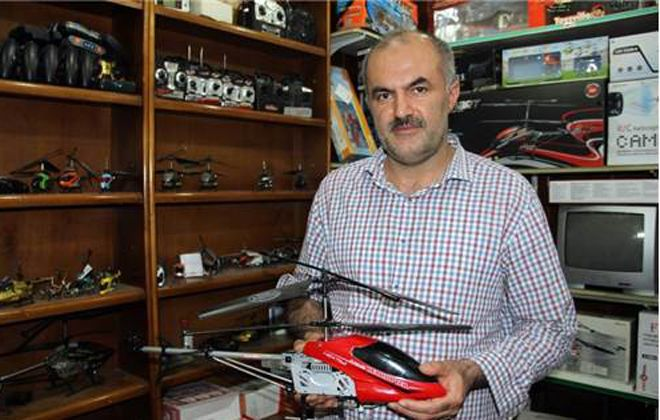 40 Yaşında Helikopter Tamircisi Oldu