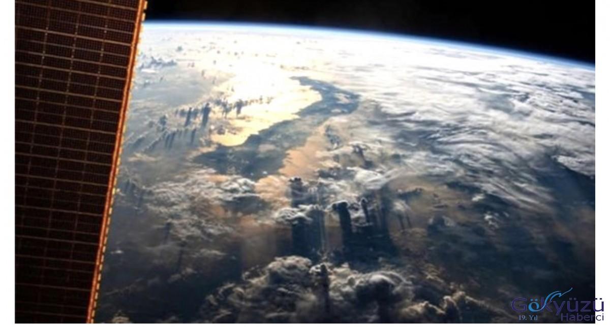 402 Kilometre Yükseklikten Çekilen Nefes Kesici Dünya Fotoğrafı