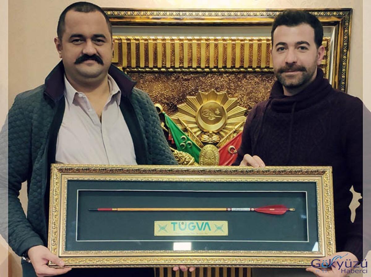 Ali Kemal Tatlıbal'a 'hedef oku' hediye edildi!