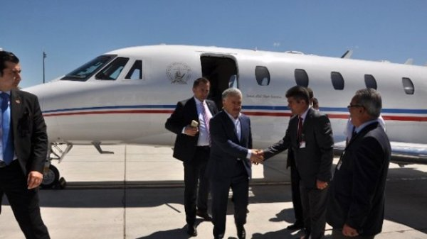 Bakan Arslan'dan Alaçatı Havaalanı Müjdesi