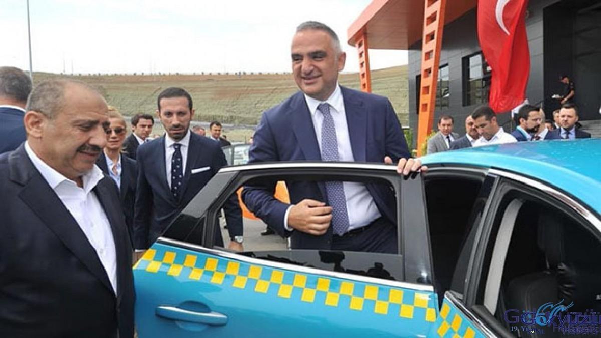 Bakan Ersoy; '28 Mayıs'a iç hat uçuşları başlayabilir'