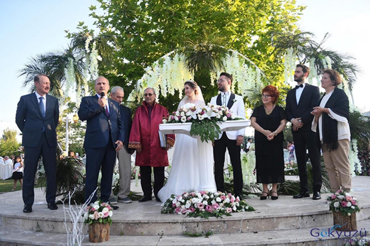Bakan Turhan nikah şahitliği yaptı