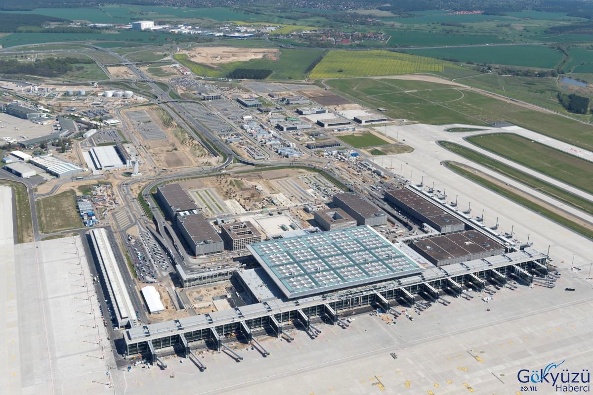 Berlin Brandenburg Havalimanı 2020'de açılacak