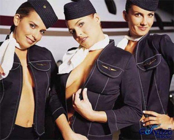Bu Hosteslerle Uçakta Ayakta Uçarmısınız?