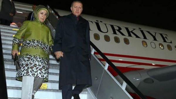 Cumhurbaşkanı Erdoğan, Türkiye'ye döndü.