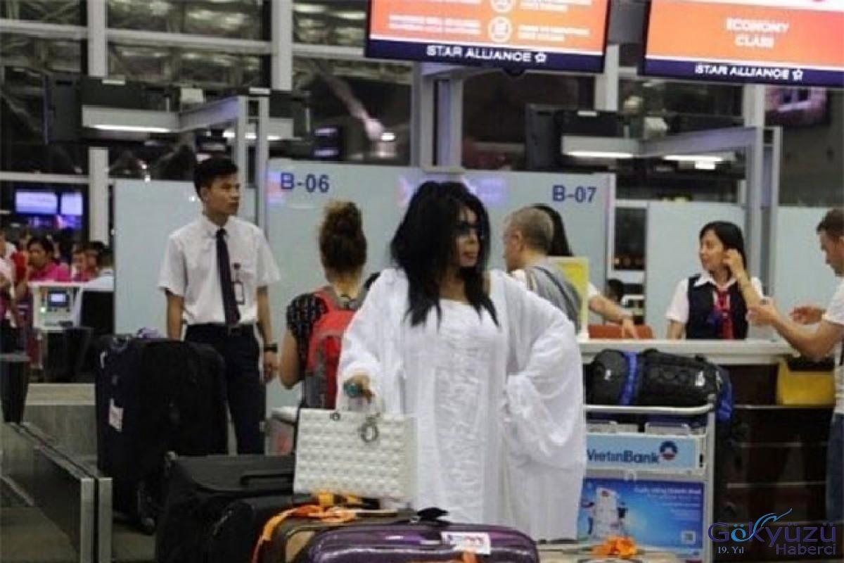 Diva Bülent Ersoy'u havalimanında unuttular