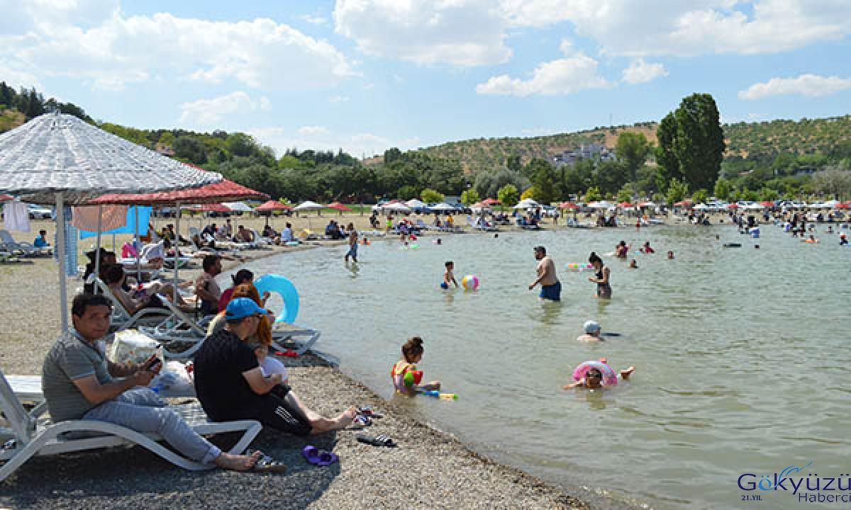 Doğu Anadolu'nun yaz tatili merkezi; Hazar Gölü