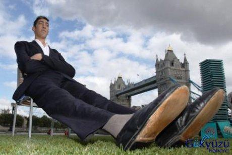 Dünyanın en uzun adamı belgesel oluyor | Gökyüzü Haberci