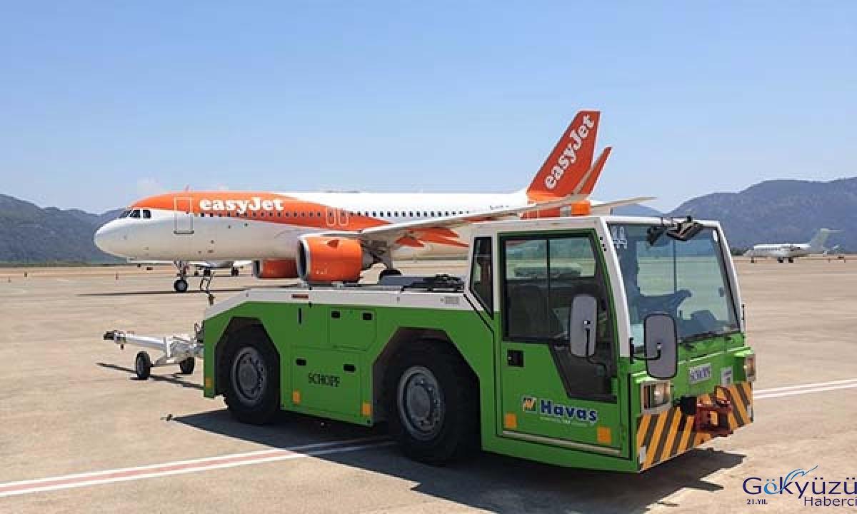 Easjet'in ilk uçağı Dalaman Havalimanı'na iniş yaptı