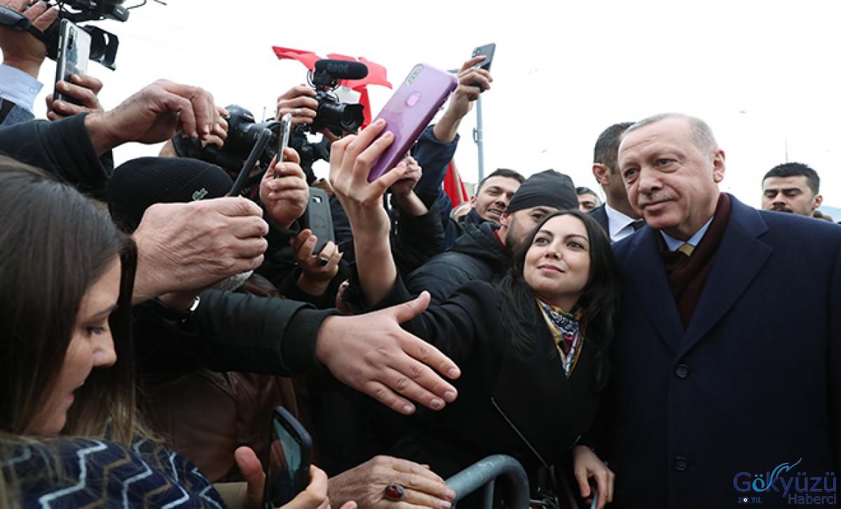 Erdoğan'a Cenevre'de sevgi gösterisi