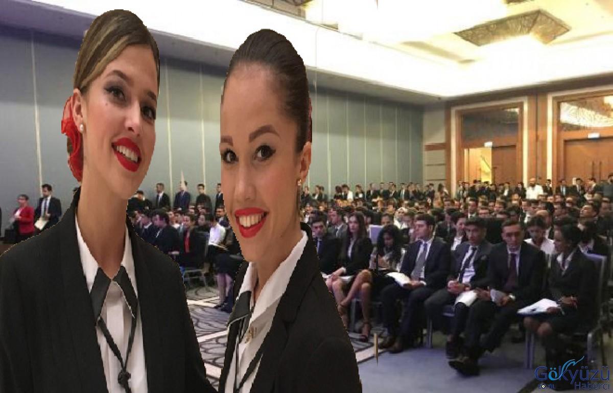 Etkinliğe katılan hostes adayları modelleri aratmadı