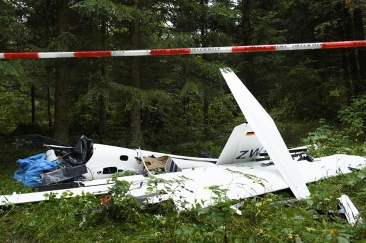 Fransa'da uçak düştü: 4 ölü