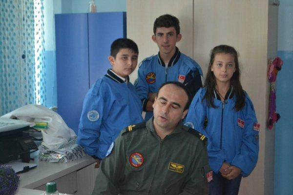 Gençlere Havacılığı Sevdirecek Kurs