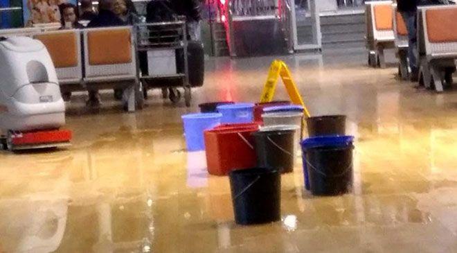 Hatay Havalimanı'nı su bastı!