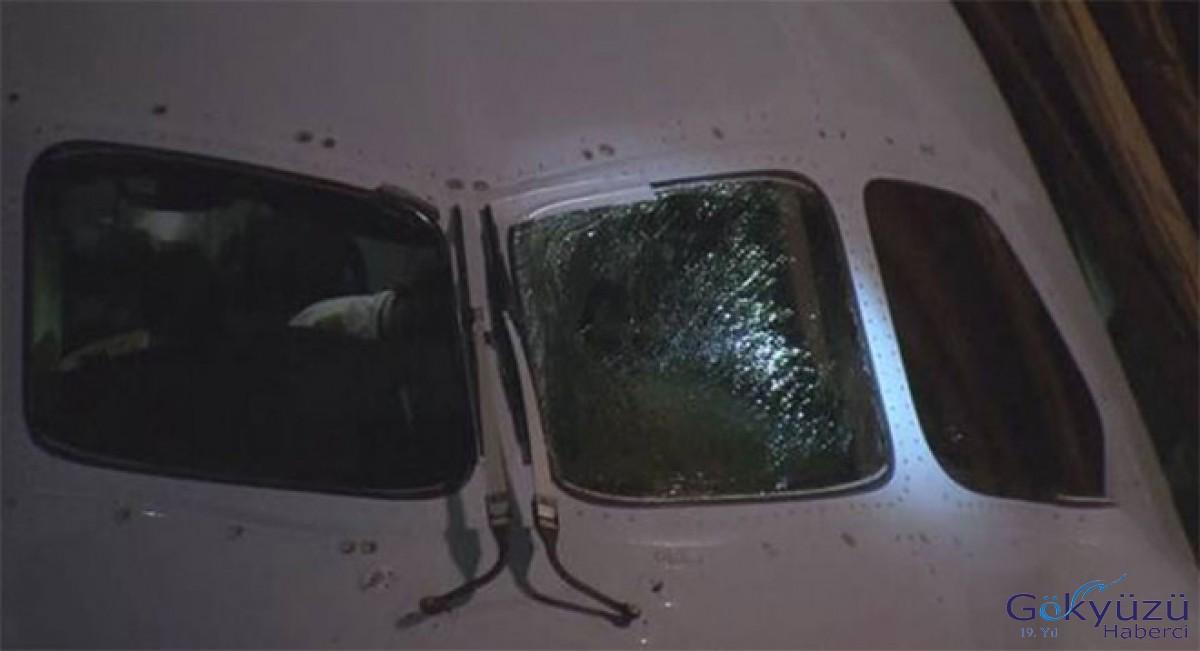 Havada Kokpit camı çatladı
