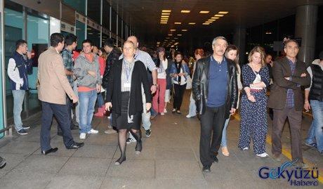 THY Hostesleri havalimanında eylem yaptı