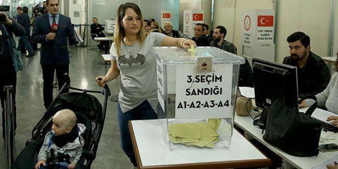 Havalimanı'nda oy kullanma işlemi Mayıs'ta!
