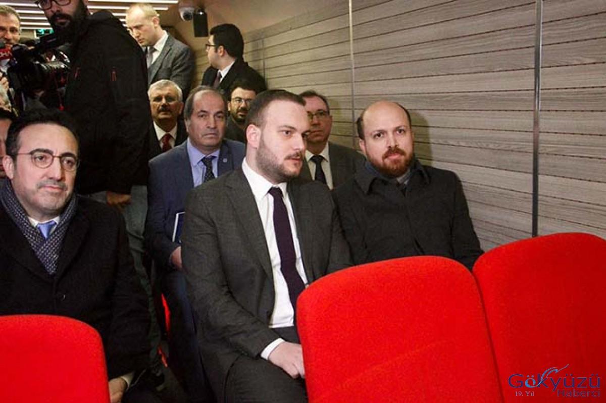 İlker Aycı sinema otobüsünde belgesel izledi!