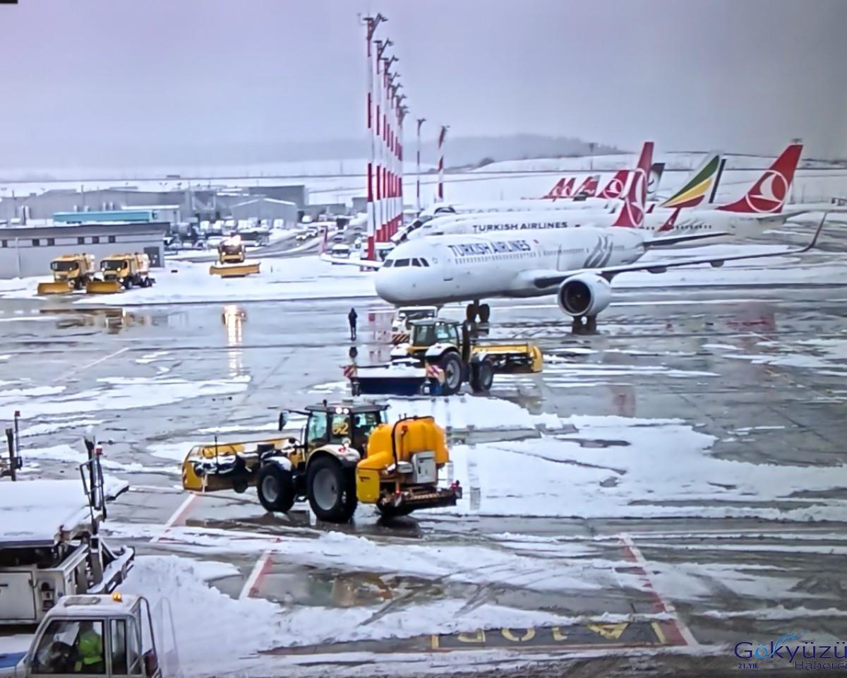 İstanbul Havalimanı pistlerimiz açık