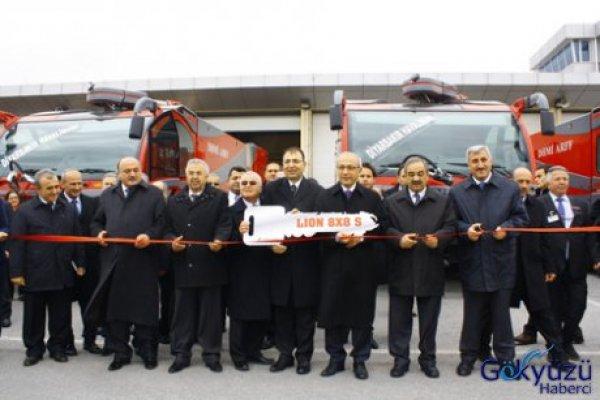 İzmir Adnan Menderes'e İtfaiye Aracı