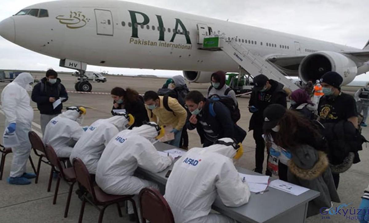 Kanada'dan 203 kişi Trabzon Havalimanı'na getirildi