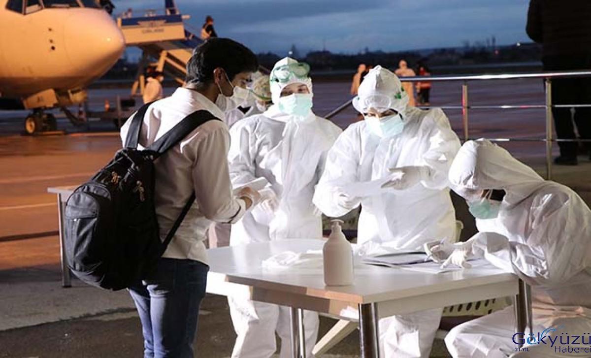 KKTC'den 189 Türk vatandaşı uçakla Van'a getirildi