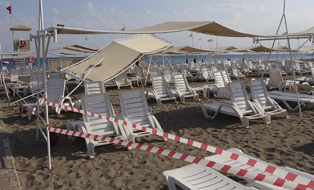 Antalya'da 'hortum' 6 turist yaralandı