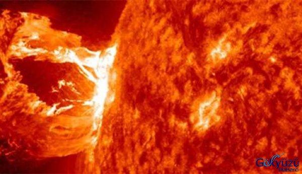 NASA Güneşteki Patlamaları Görüntüledi