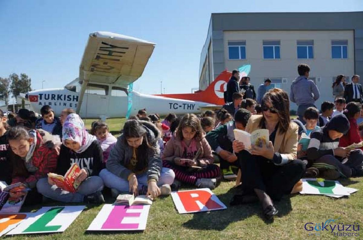Öğrenciler önce kitap okudu, sonra uçak kullandı