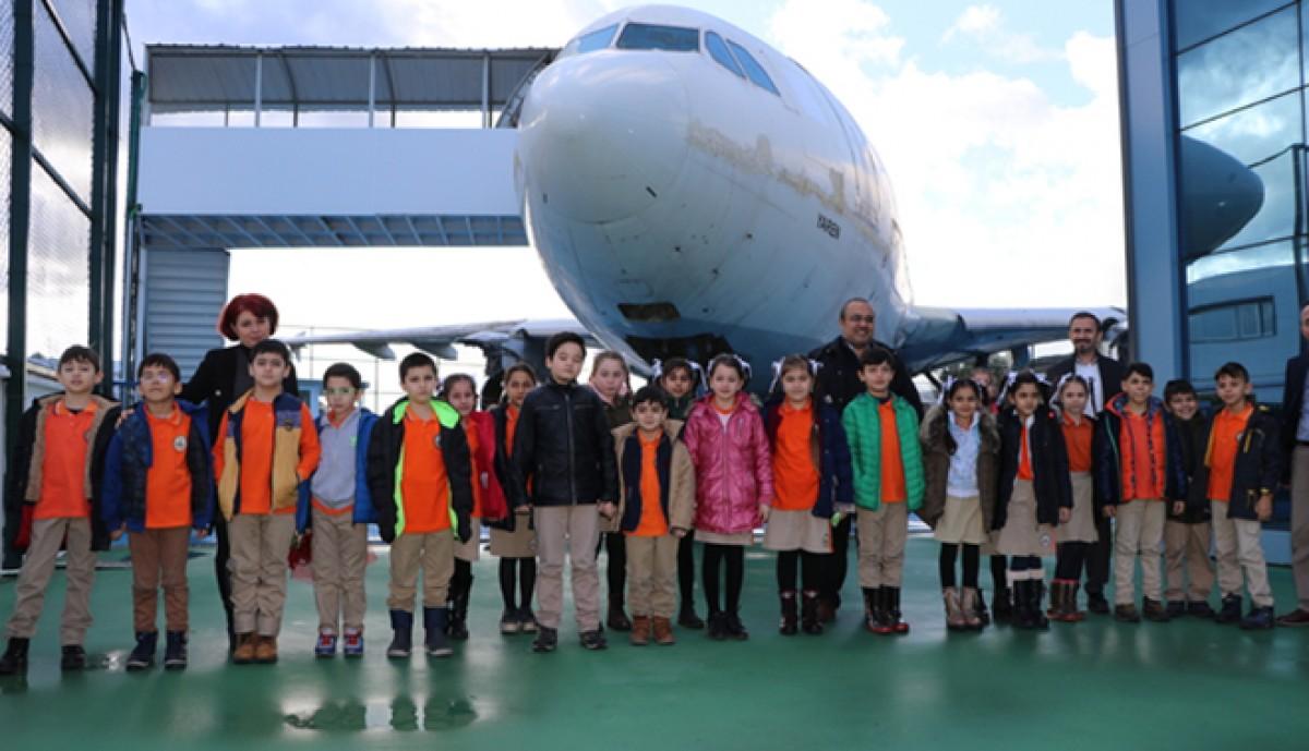 Öğrenciler uçakla tanıştılar