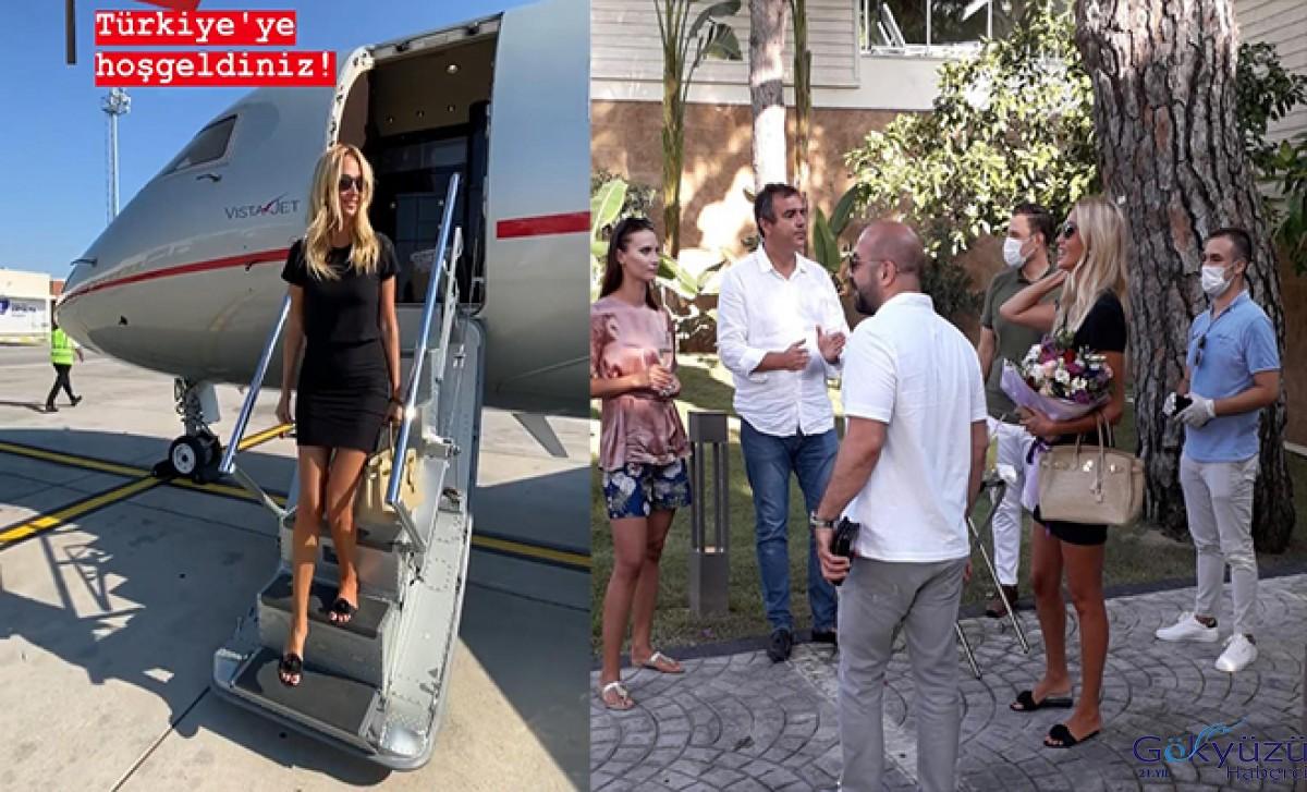 Rus güzel Victoria Lopyreva, tatil için Antalya'ya geldi
