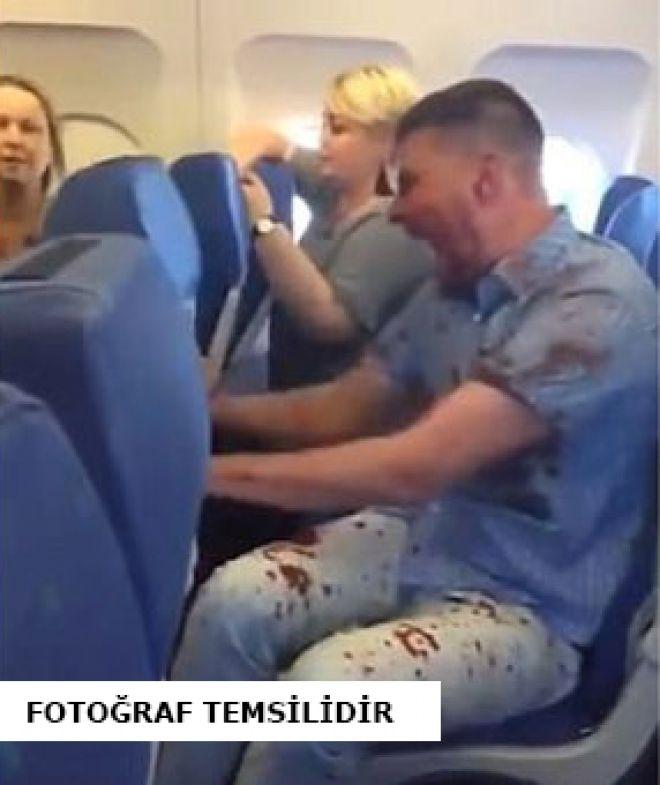 Rus yolcu Antalya uçağında olay çıkardı