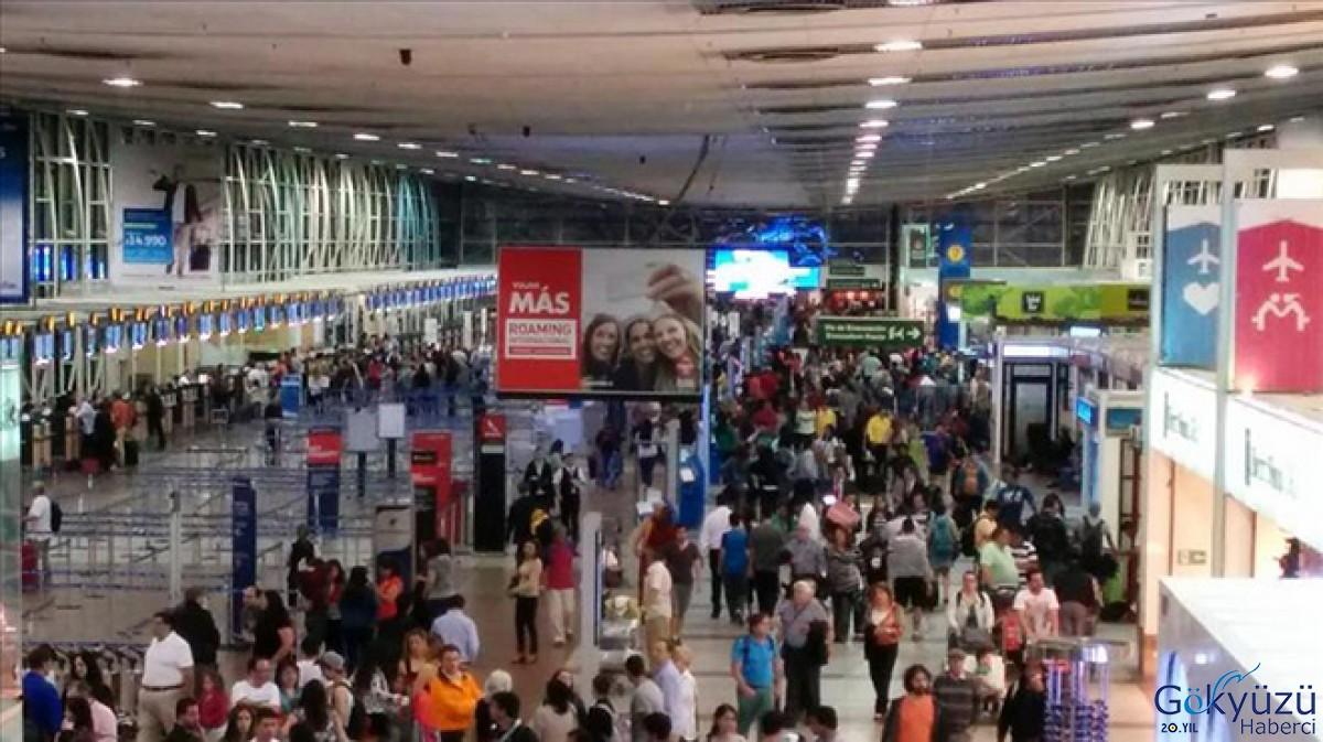 Santiago Havalimanı'nda yüze yakın uçuş iptal edildi