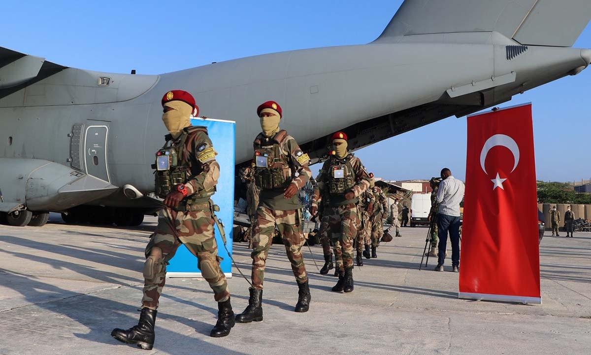 Somali'de karşılama töreni icra edildi