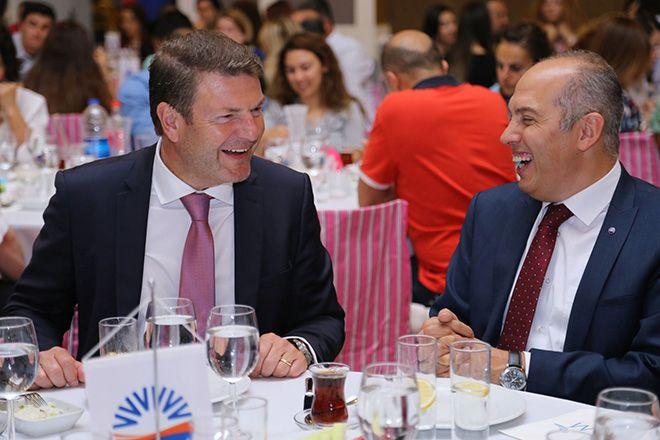 SunExpress,  Çalışkanları iftar yemeğinde buluştu