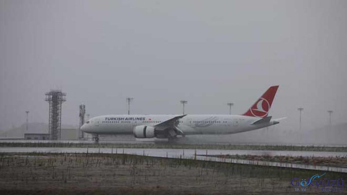 THY'nin 2. Dreamliner'ı İstanbul'da...