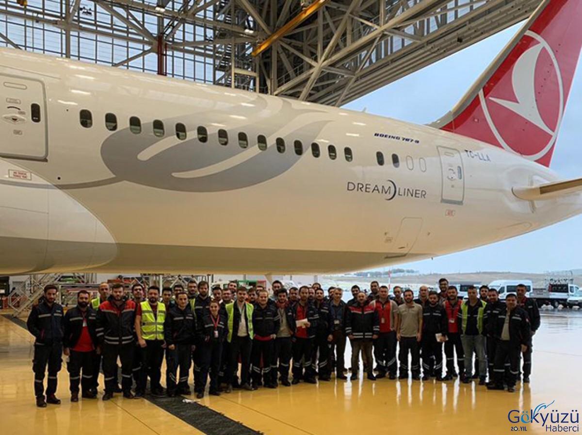 THY Teknik Boeing 787'ye ilk A bakımını yaptı!