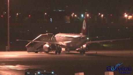 THY Uçağı'nın Havadayken Kokpit Camı Çatladı.