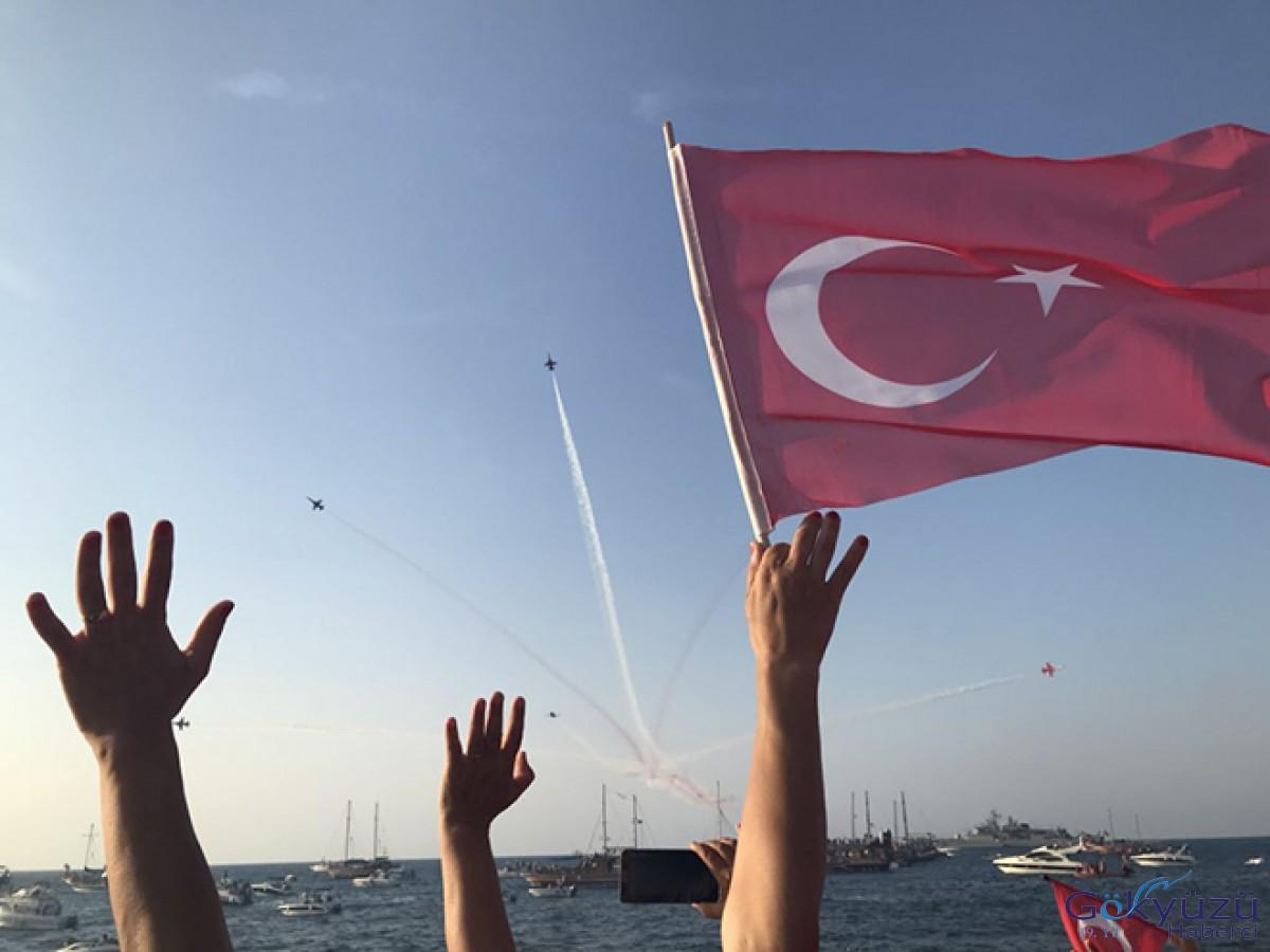 Türk Yıldızları ve T129'lar KKTC'de