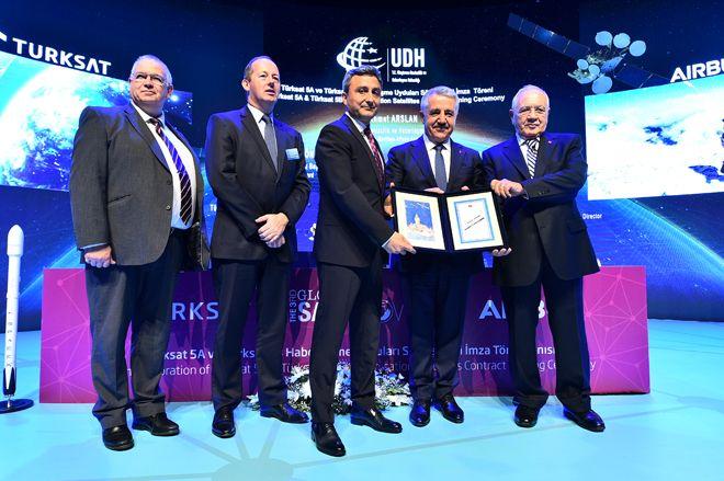 Türksat 5A ve 5B Uyduları İçin Anlaşma imzalandı