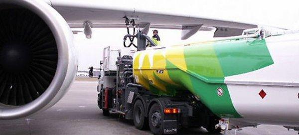 Uçaklara yakıt desteği yıl sonuna kadar uzatıldı
