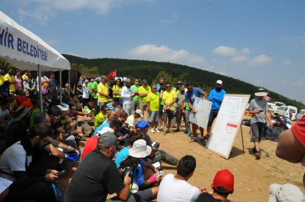 Yamaç Paraşütü Şampiyonası Akşehir'de başladı